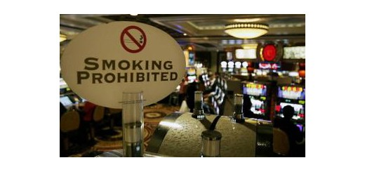 Prohibicion-fumar-Macao-520x245